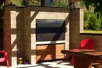 build in braai with concrete block enclosure